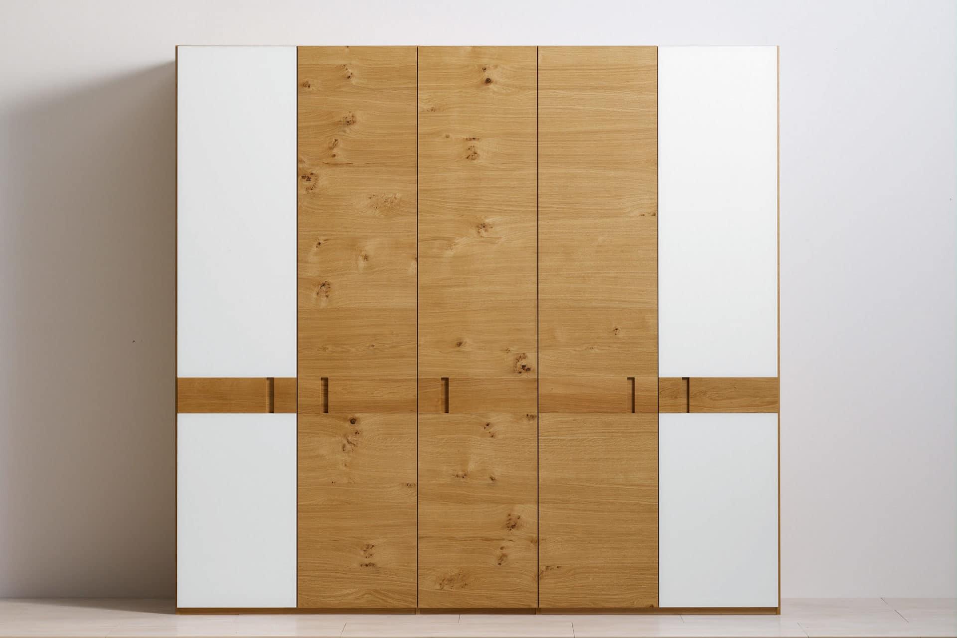 schrank rio mit glas in asteiche ko control. Black Bedroom Furniture Sets. Home Design Ideas